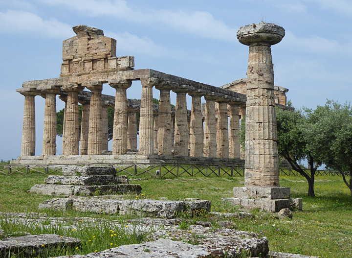 Dorischer Athenetempel in Paestum (SA)