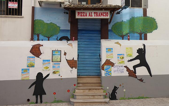 Pizzeria, die Pizza auch stückweise verkauft in Rodi Garganico (FG), Apulien