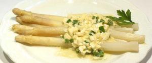 asparagi alla bolzanina