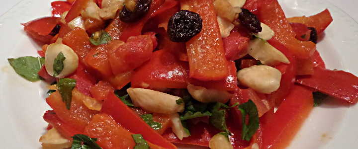 Peperoni agrodolci alle mandorle - Süßsaure Paprika mit Mandeln