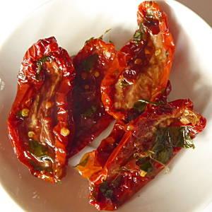 pomodori secchi sott 39 olio getrocknete tomaten in l eingelegt i k b. Black Bedroom Furniture Sets. Home Design Ideas