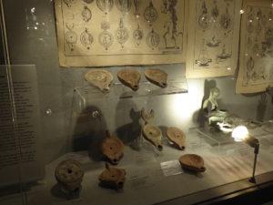 Antike römische Öllampen